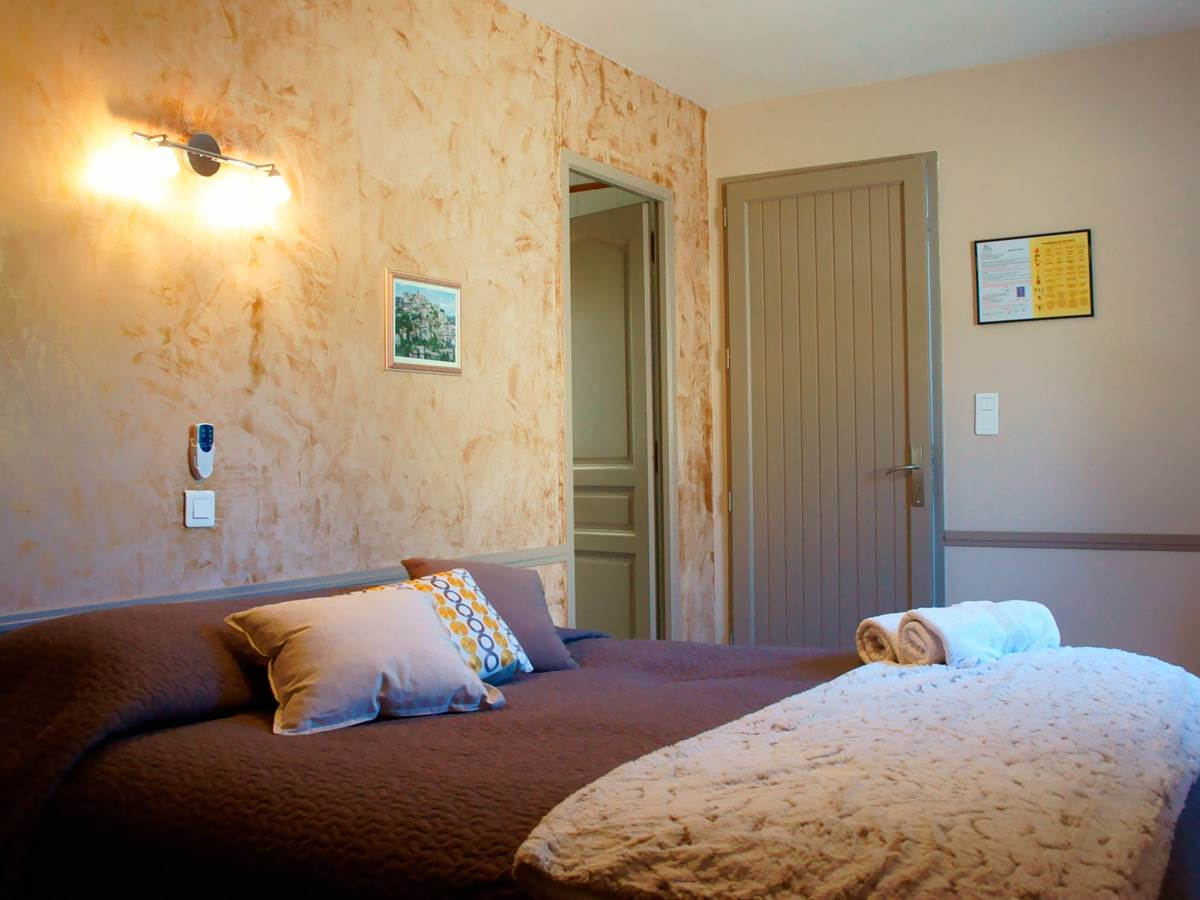 Chambre 103 Hotel Residence Les Peupliers Loriol du Comtat
