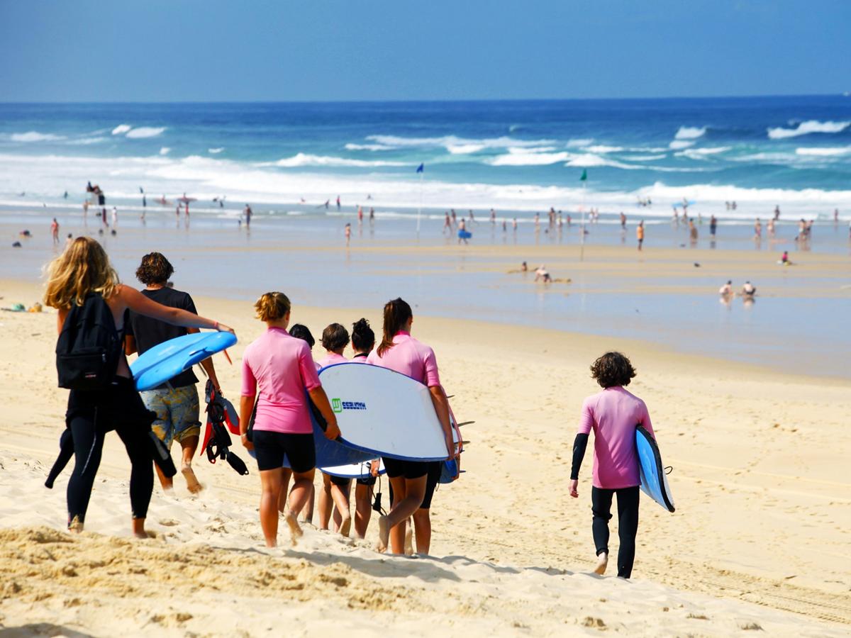 Comment surfer sur la vague à Biscarrosse
