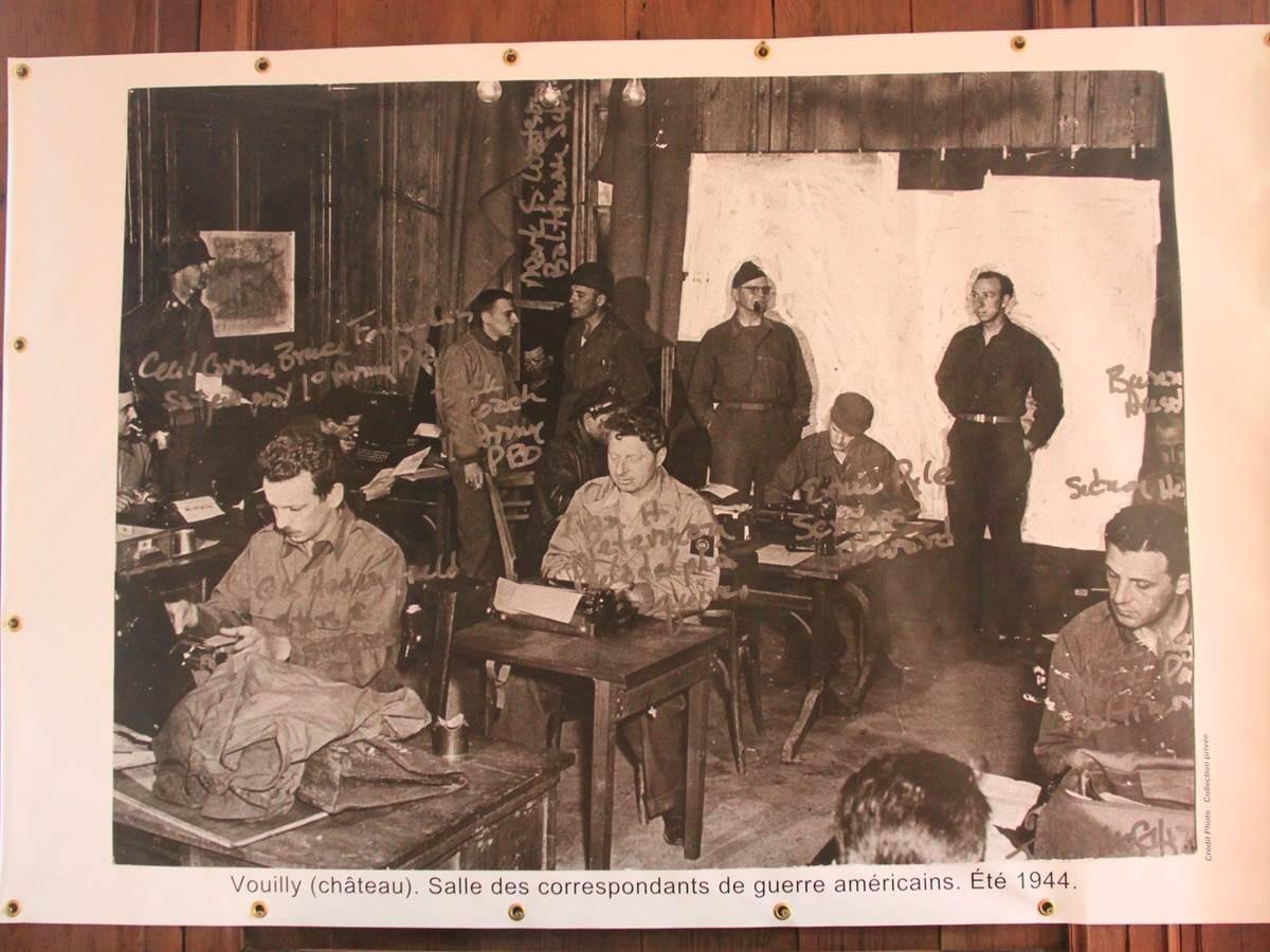 Robert Capa et 50 autres journalistes etaient à Vouilly en 1944