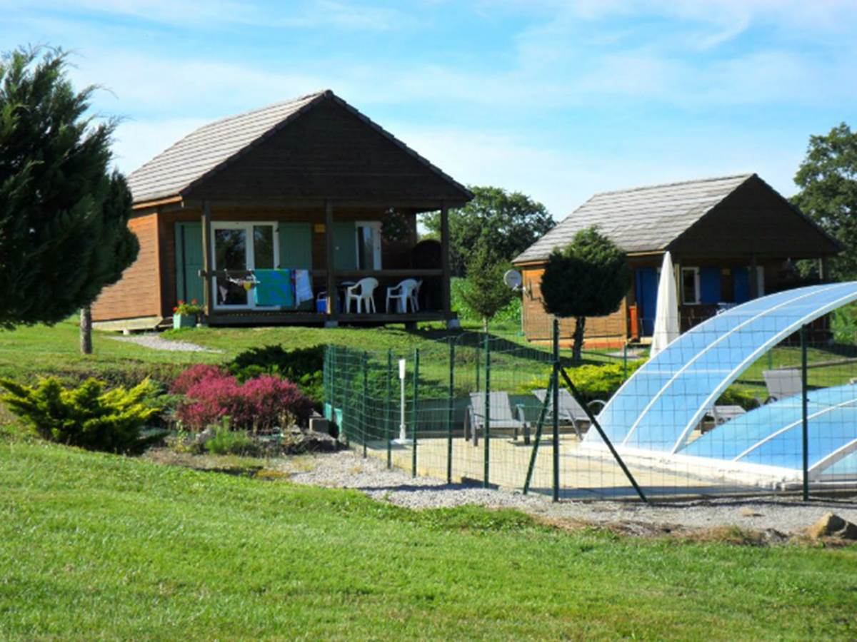 Chalet-piscine-Dordogne-sérandon-location