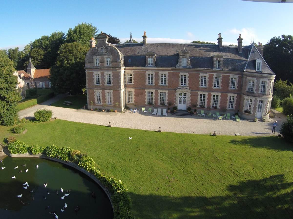 Château de Behen vue d'avion
