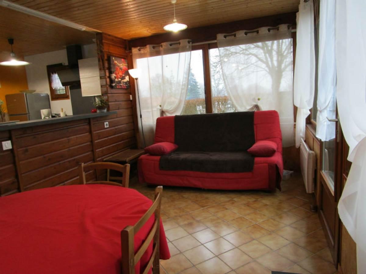 Gîte Les rosiers' Arnac-La-Poste, salonséjour