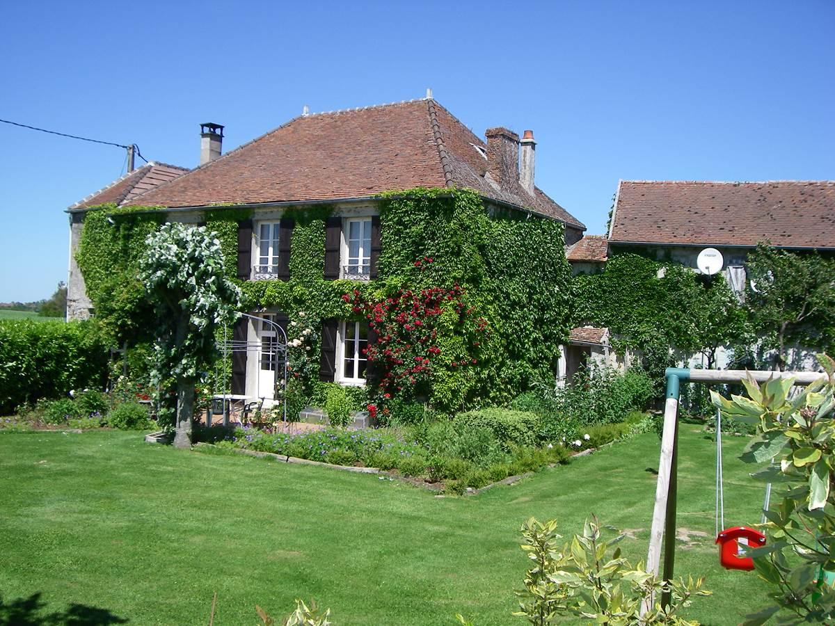 IMGP5192  Le Merger côté jardin