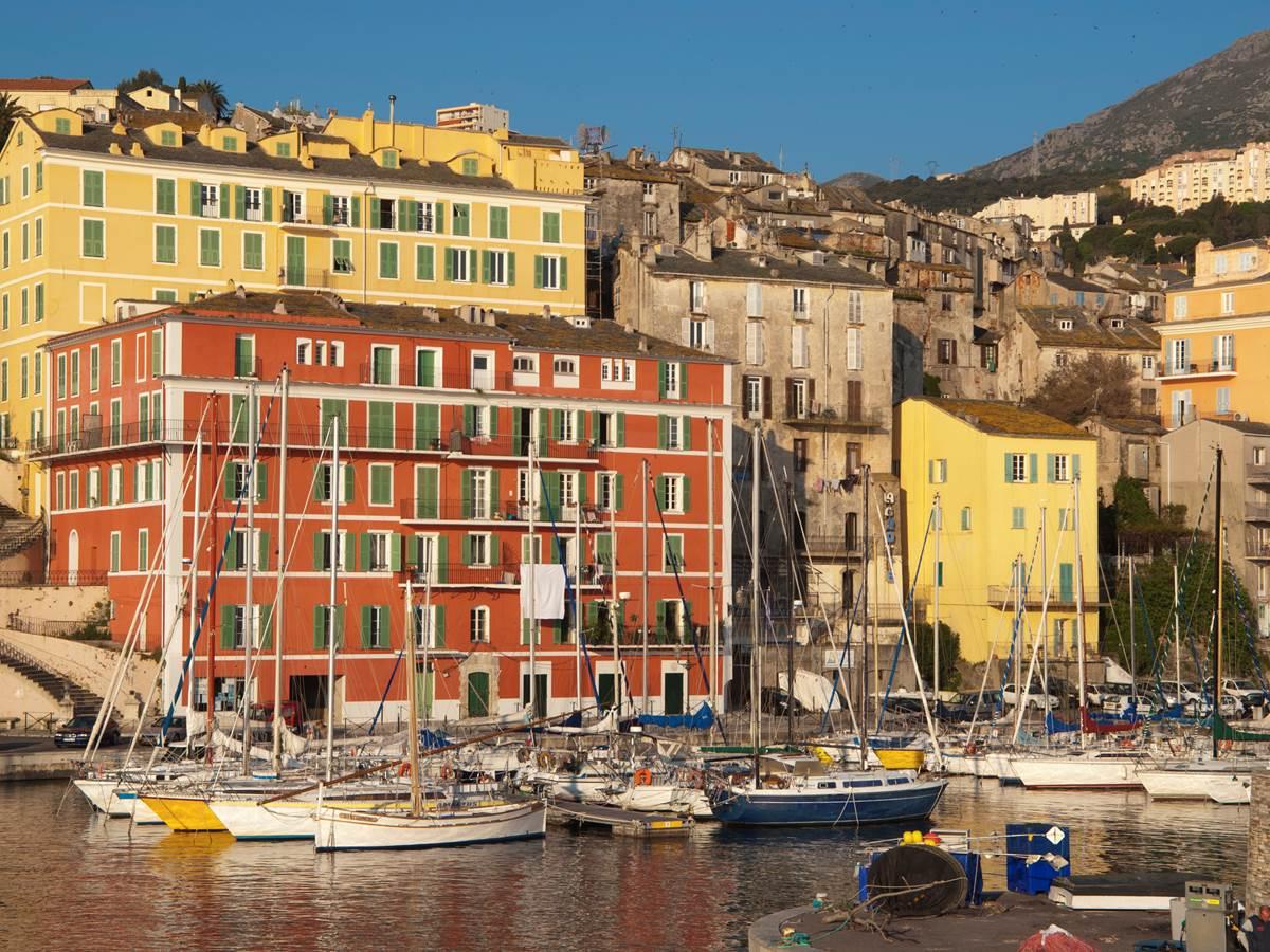 148840341 Bastia, Vieux Port dans le quartier du Terra vecchio