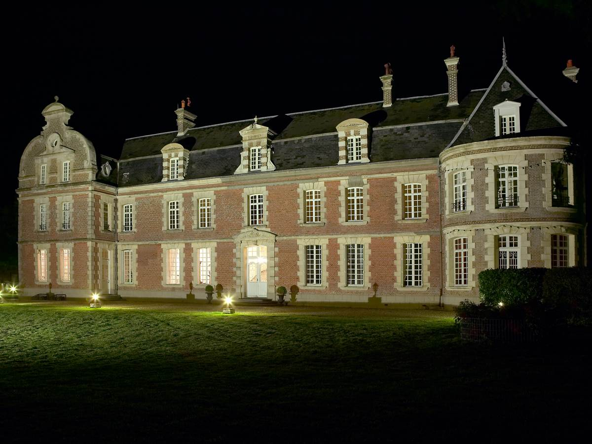 Château de Béhen de nuit