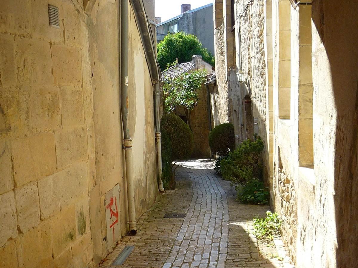 Petite rue quartier historique