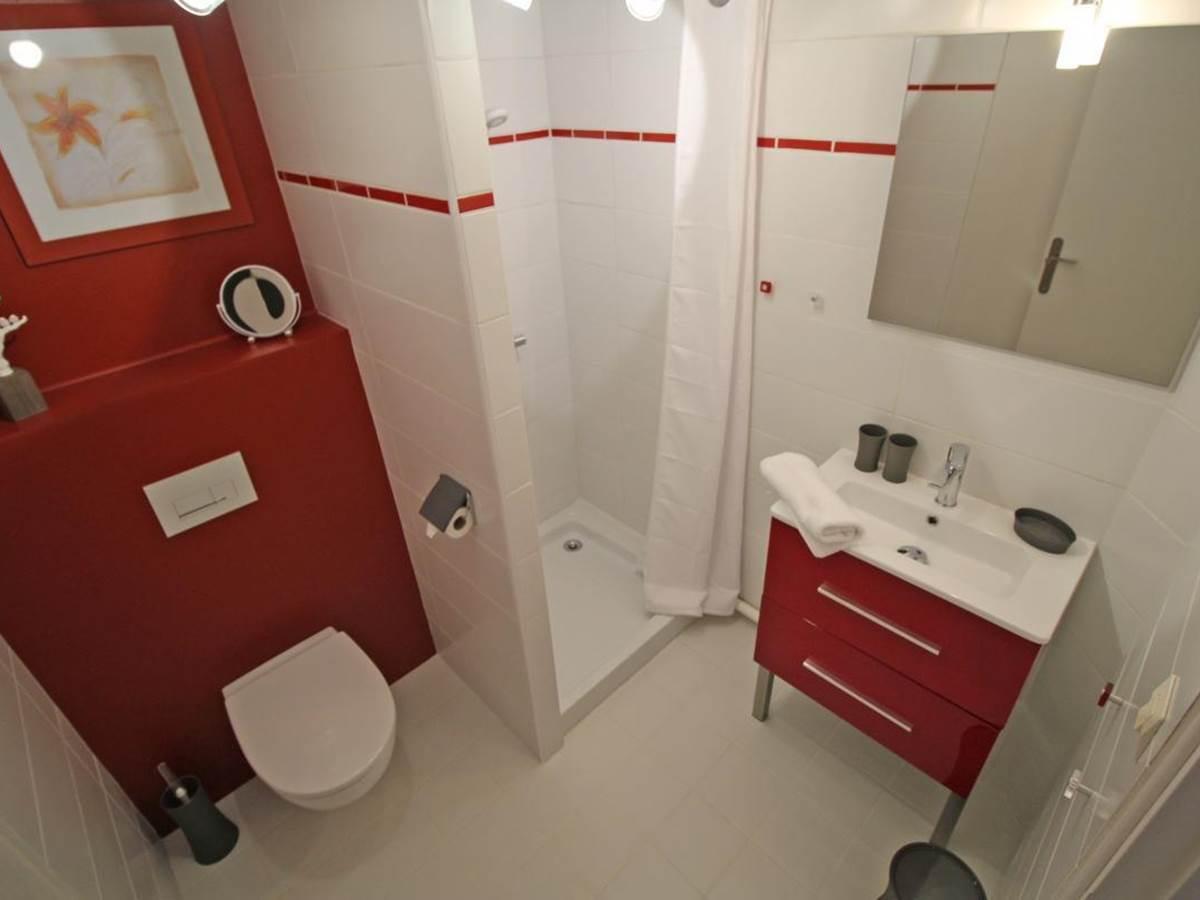 Salle de bain chambre cle´dier, la Vieille Maison de Pensol, Haute-Vienne, Périgord-Limousin et Nouvelle-Aquitaine