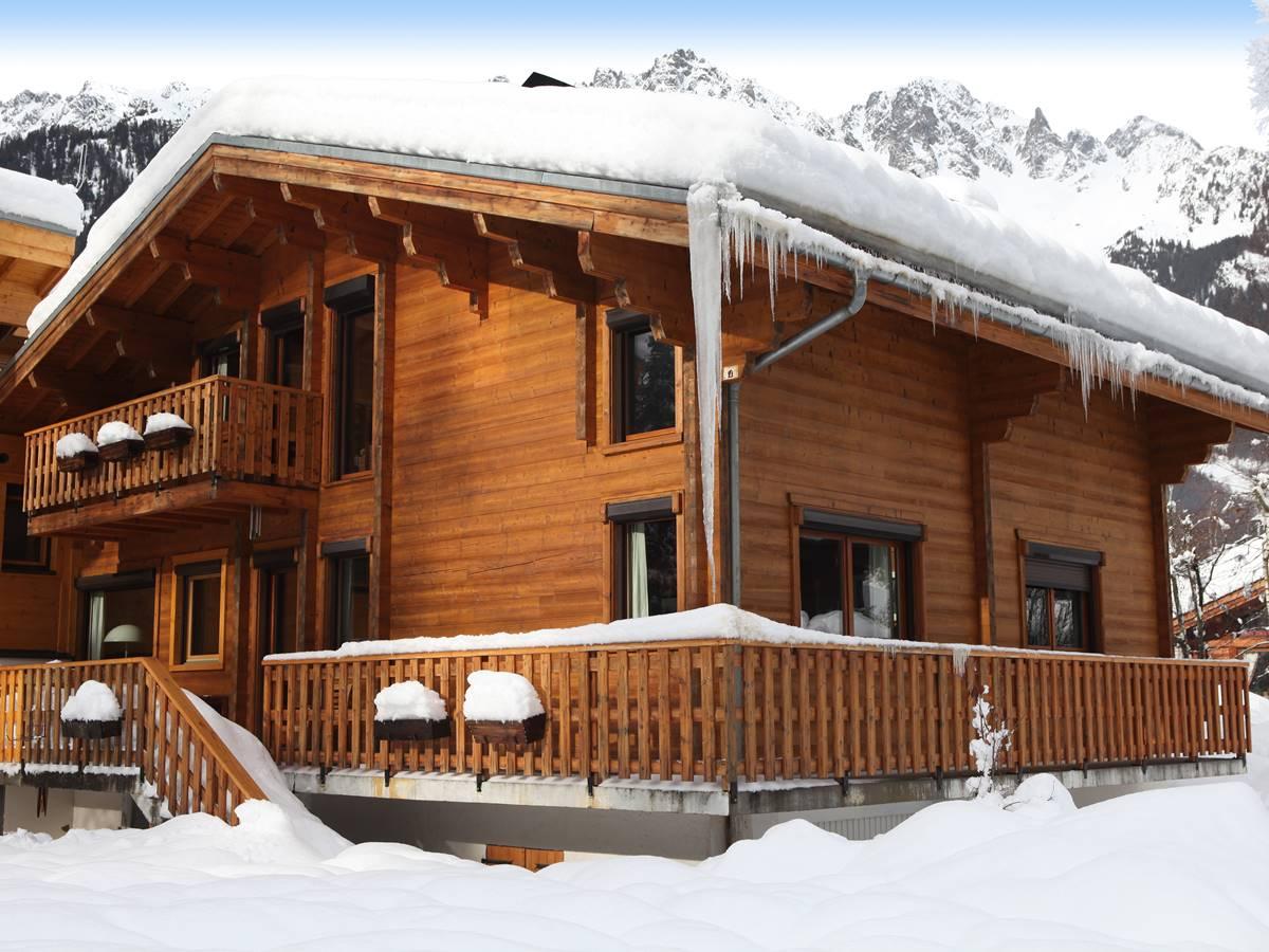 03-hiver-Chalet sous la neige-Est-30x20-300dpi-9658