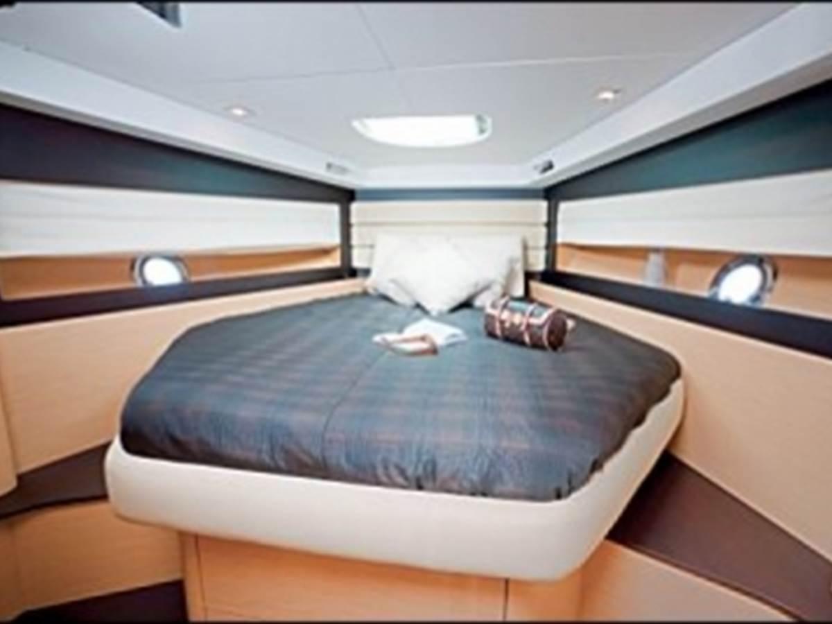 yacht Charles & Ashton