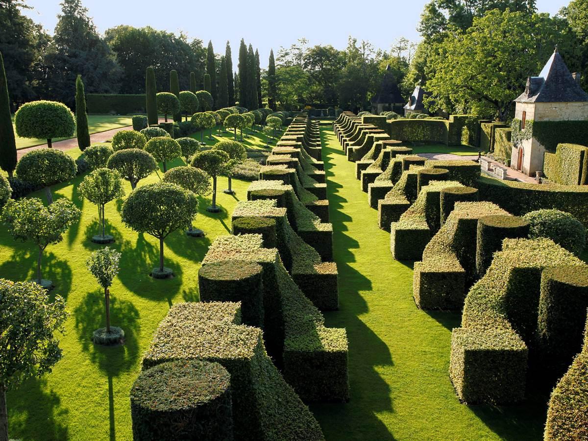 Le jardin du manoir d'Eyrignac au nord-est de Sarlat