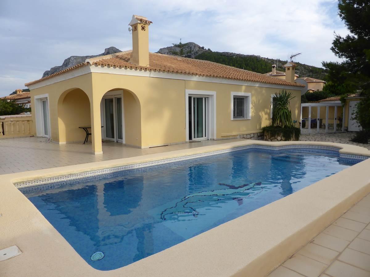 Villa Dénia 3 chambres piscine.jpg