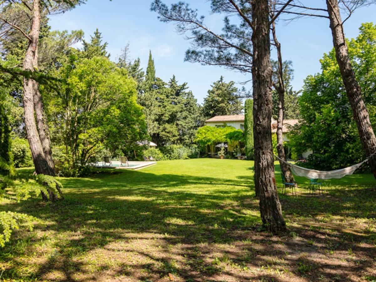 Détente dans le Parc de la Villa Oustal