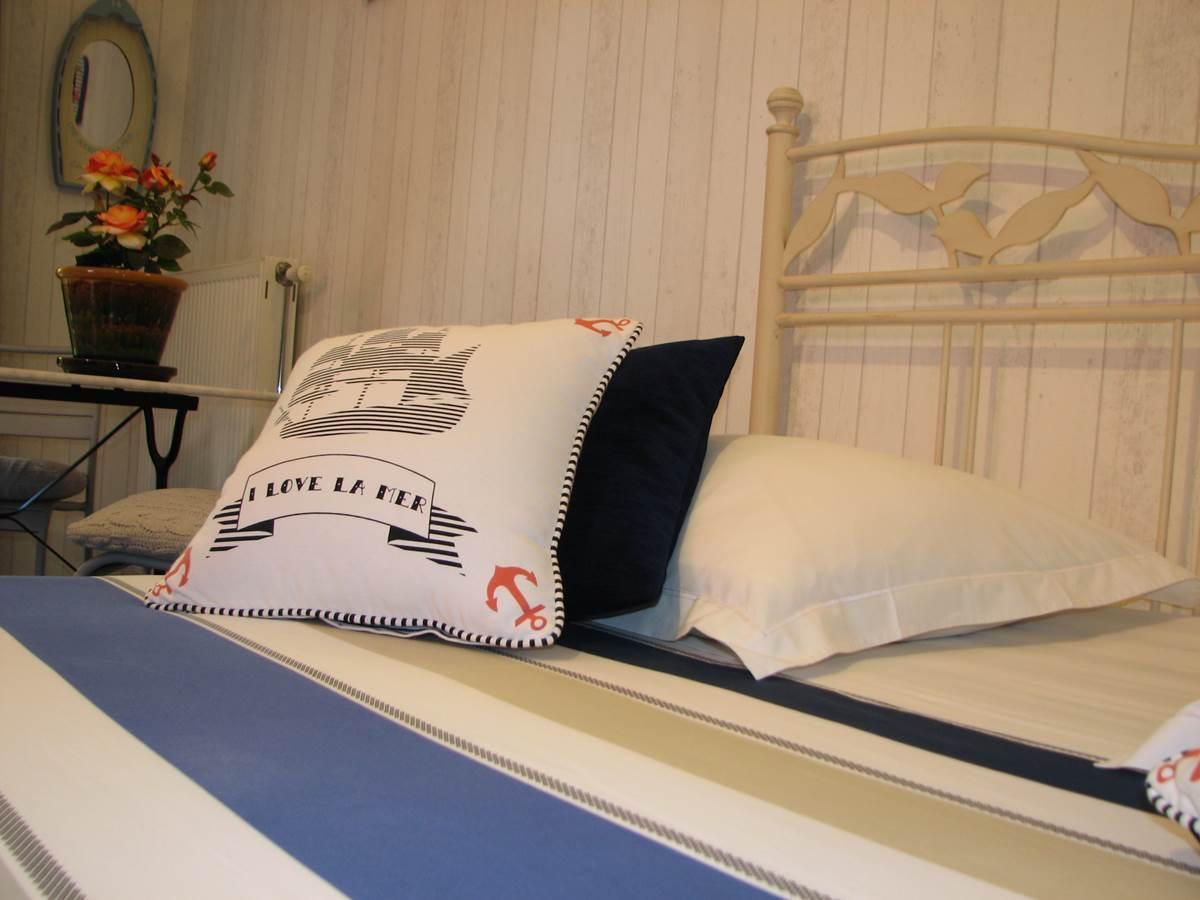 Détail chambre double de Luxe Le Pas de l' Âne Saint Ondras
