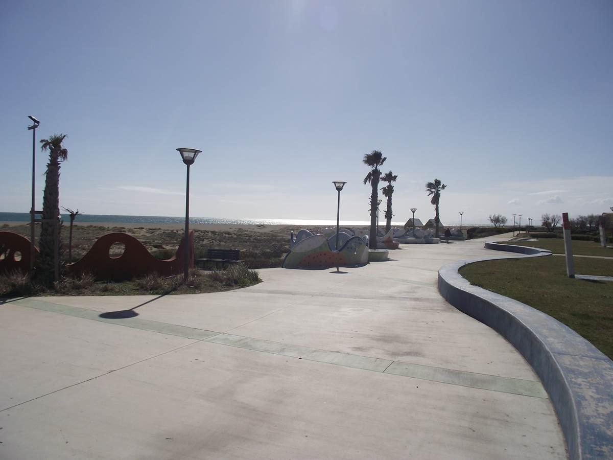 chemin bord de mer