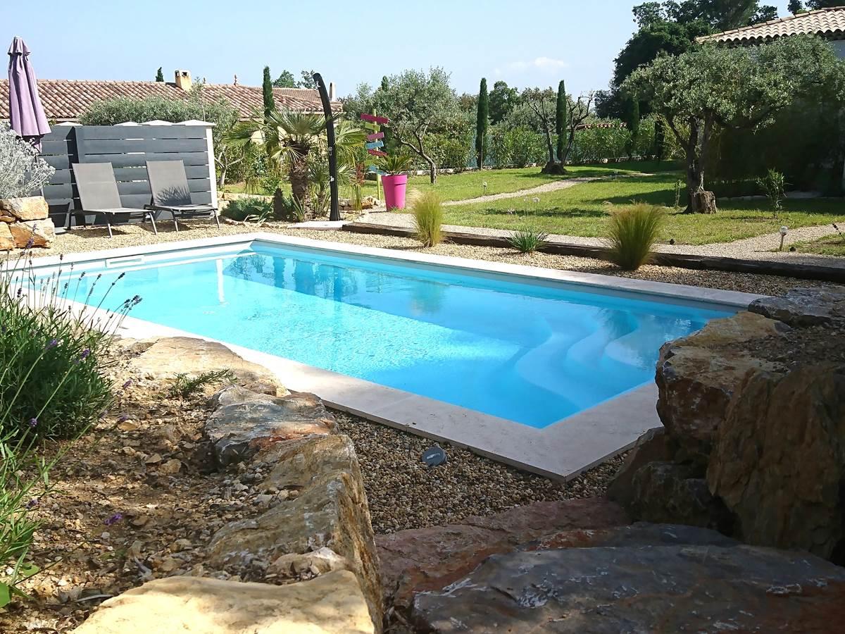 piscine et jardin
