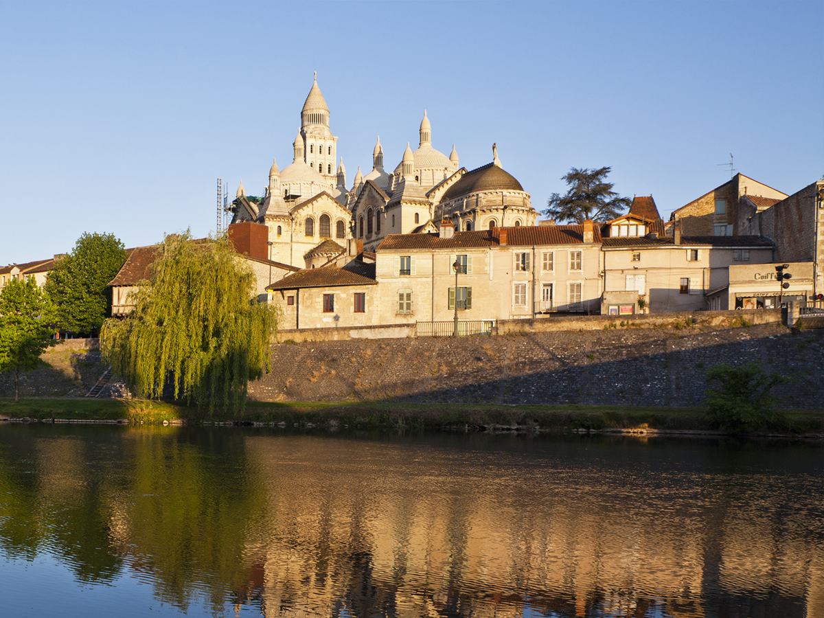 Vue sur La cathédrale Saint-Front