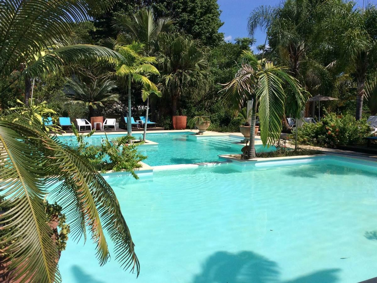 Piscine Hotel La Foa Naina Park