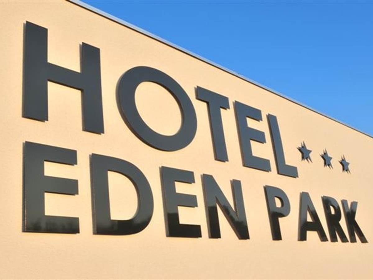 Hotel Eden Park Pau-Bizanos Enseigne entrée hotel