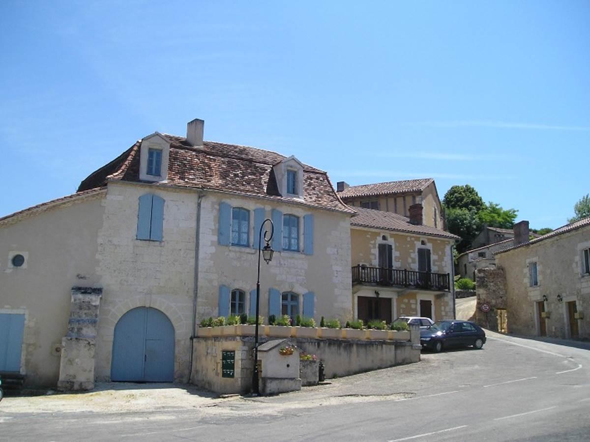 Grignols village