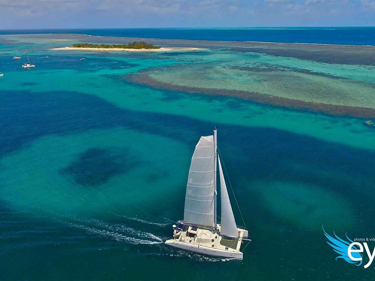 Laregnere en catamaran à voile