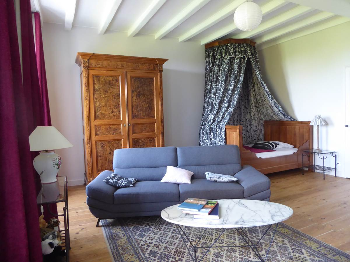 Suite des baldaquins, chambre avec ses 2 lits baldaquins