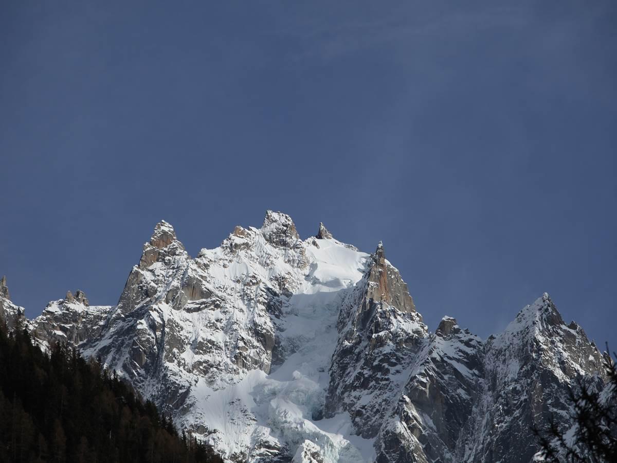 Aiguilles de Chamonix, photographie prise depuis le balcon Sud