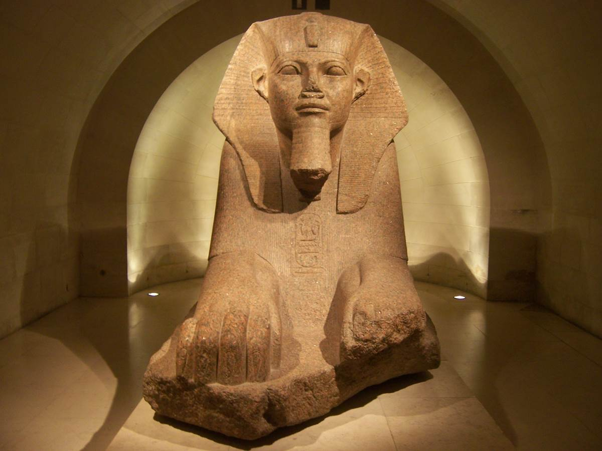Sphynx or Pharaoh... Find more with your Paris Angels private guide!