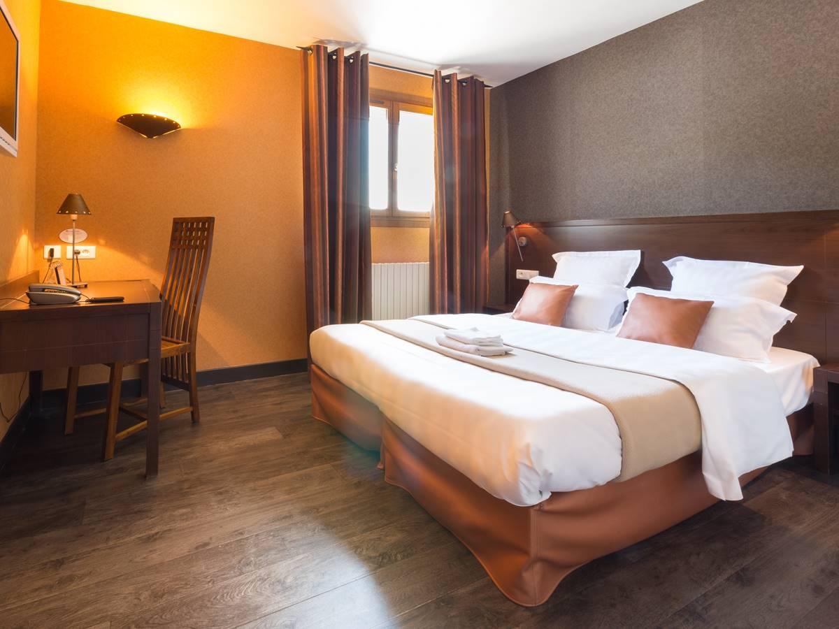 Chambre Confort Logis Hôtel Relais de Vellinus Beaulieu sur Dordogne
