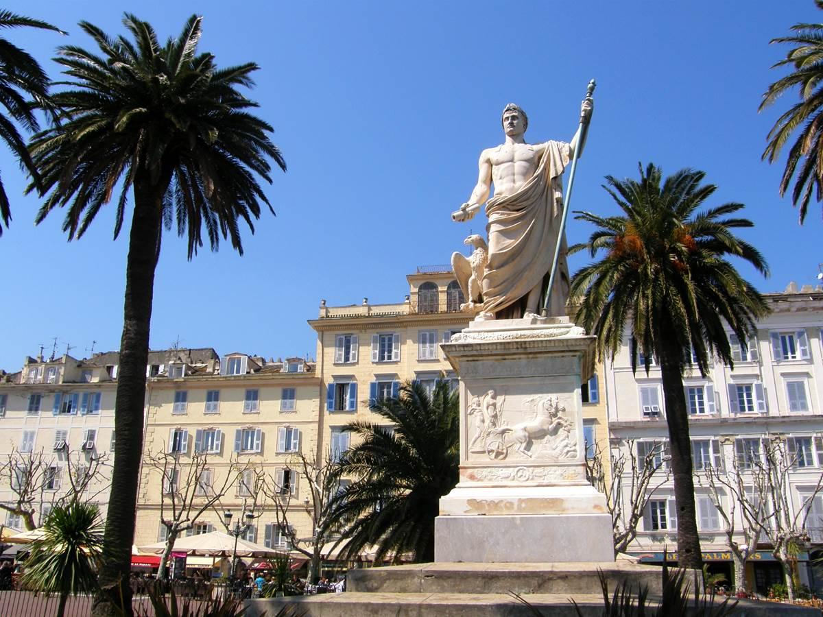 Bastia, place St Nicolas (14) ++