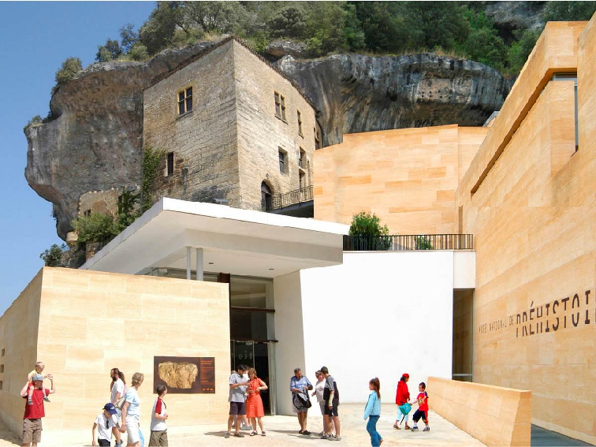 Les Eyzies de Tayac Sireuil | Lascaux Dordogne, Vos vacances en ...