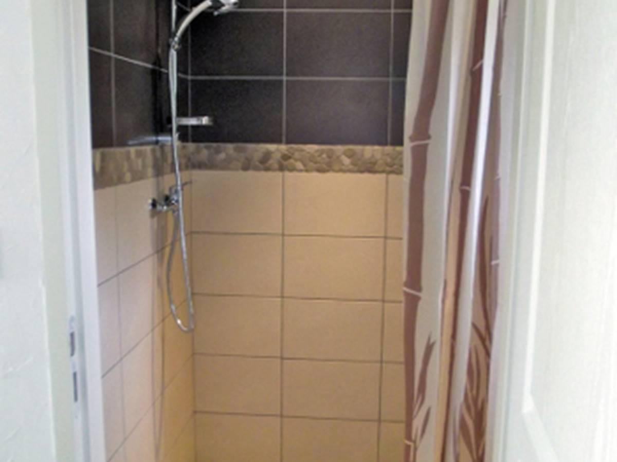 hebergement-chambre-bali-1 salle de bain