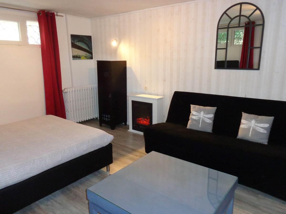 Studio Guéret - vue canapé et cheminée