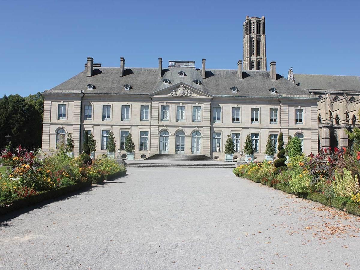Petit train touristique de Limoges, les jardins de l'Evéché