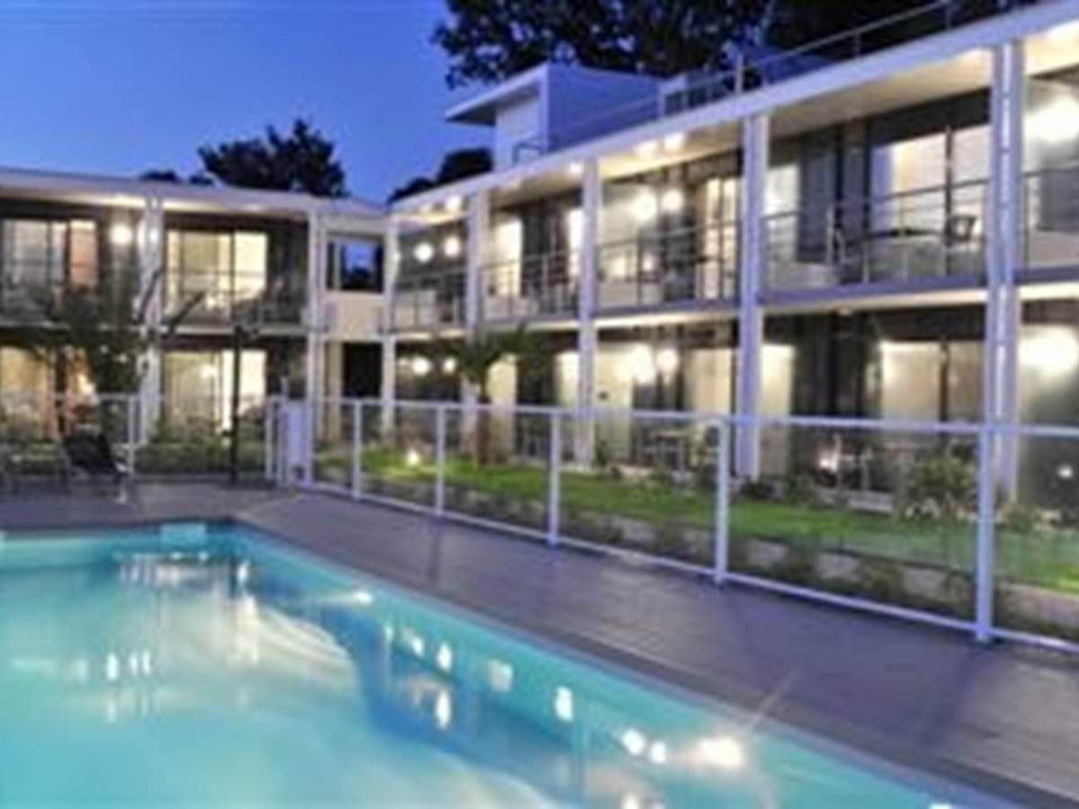 Hotel Eden Park Pau-Bizanos Vue générale nuit hotel