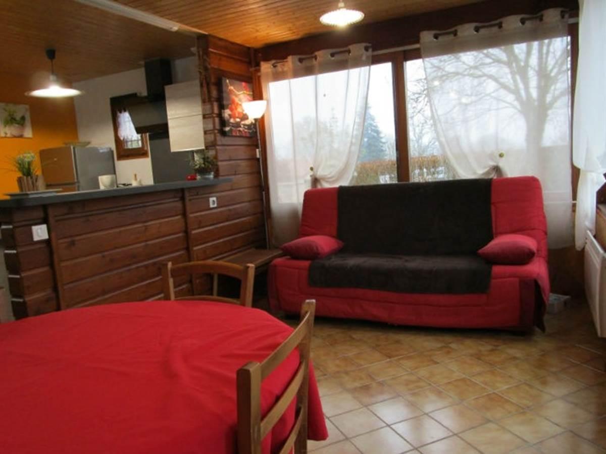 Gîte Les Rosiers, salle à manger salon, Arnac la Poste en Haute-Vienne, Nouvelle-Aquitaine