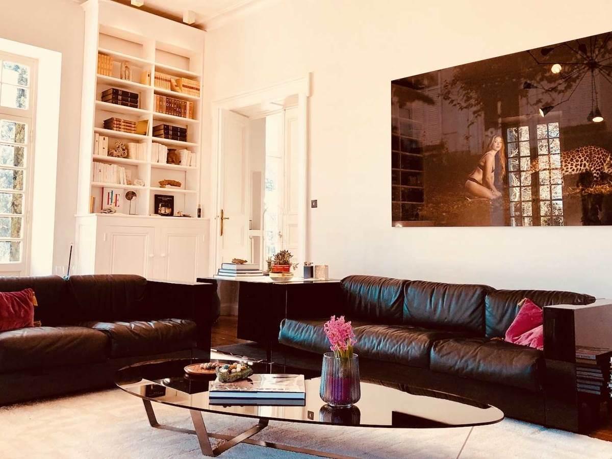 Salon blanc chambre-d-hote-lesmatinsrubis-tarn-et-garonne-occitanie-location-toulouse