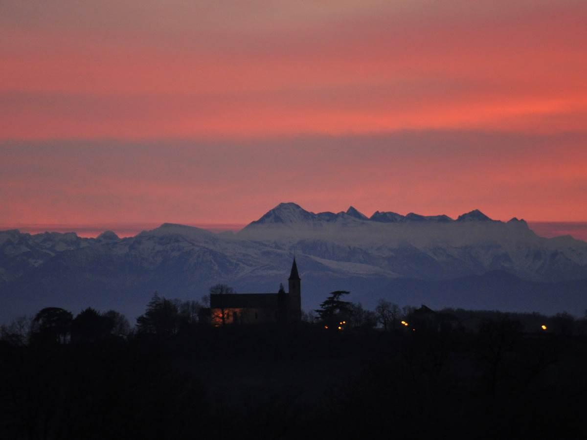 vue de la maison au coucher du soleil