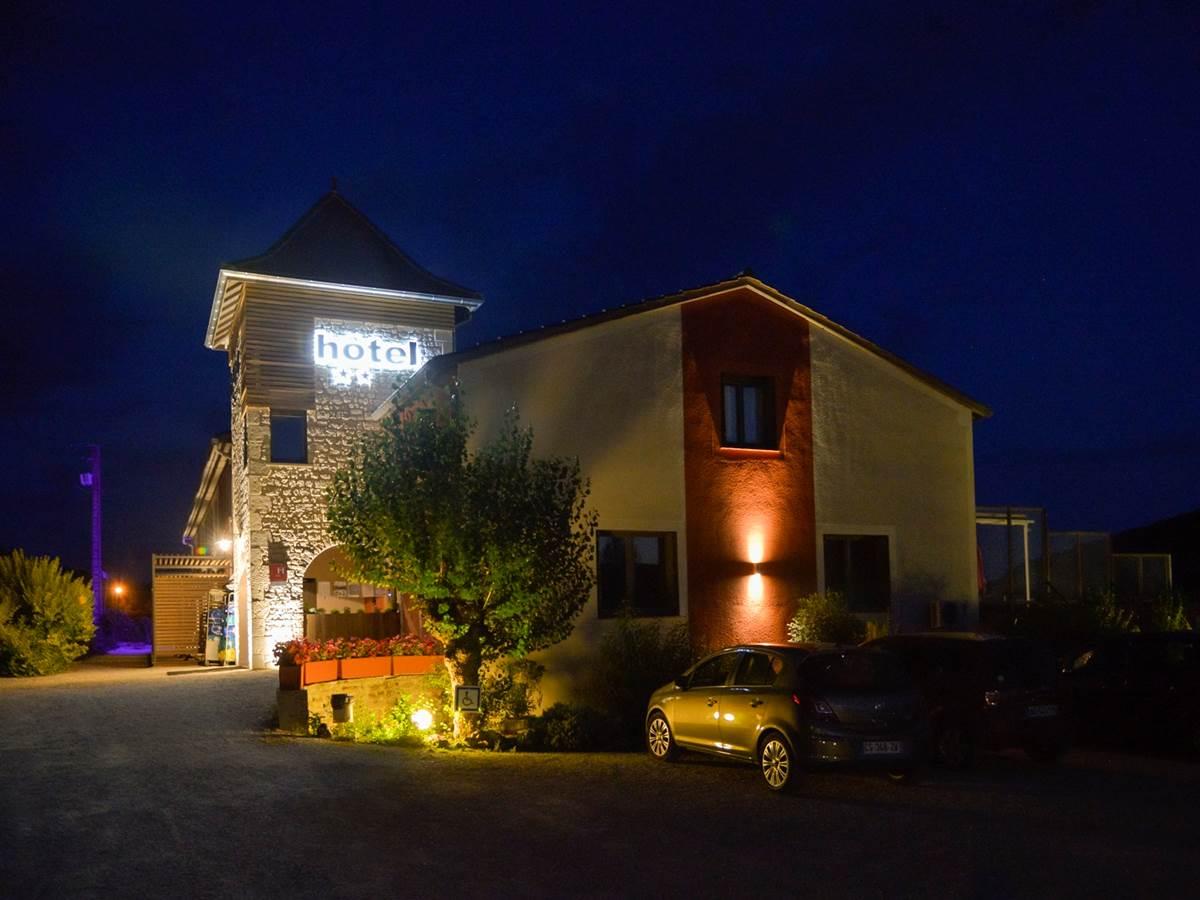 L'hôtel vue du niut ®david machet