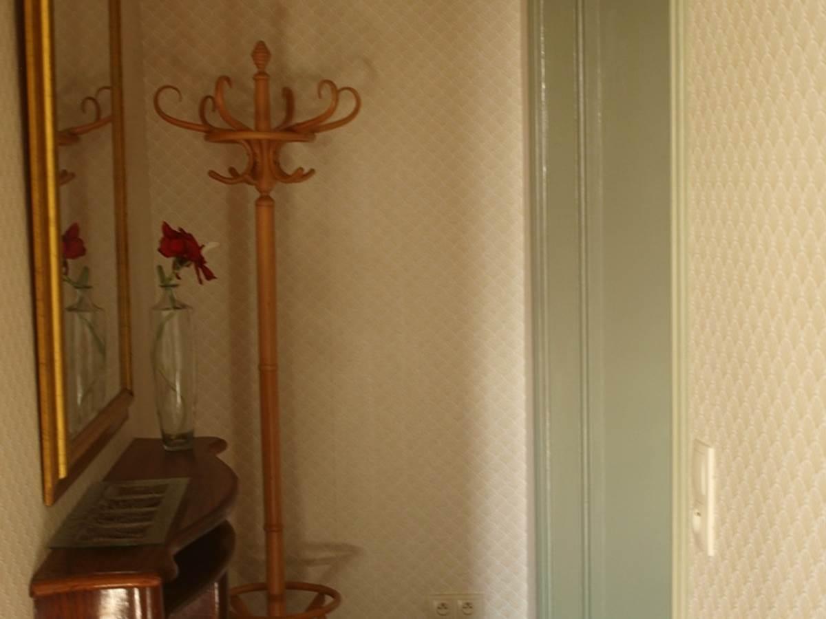 Chambre Marronnier, Entree