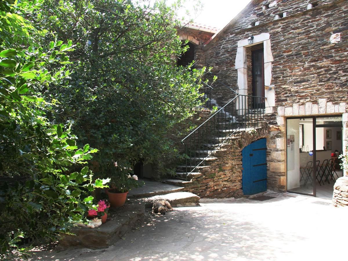 Chambre d'hôtes Cévennes. La cour intérieure.