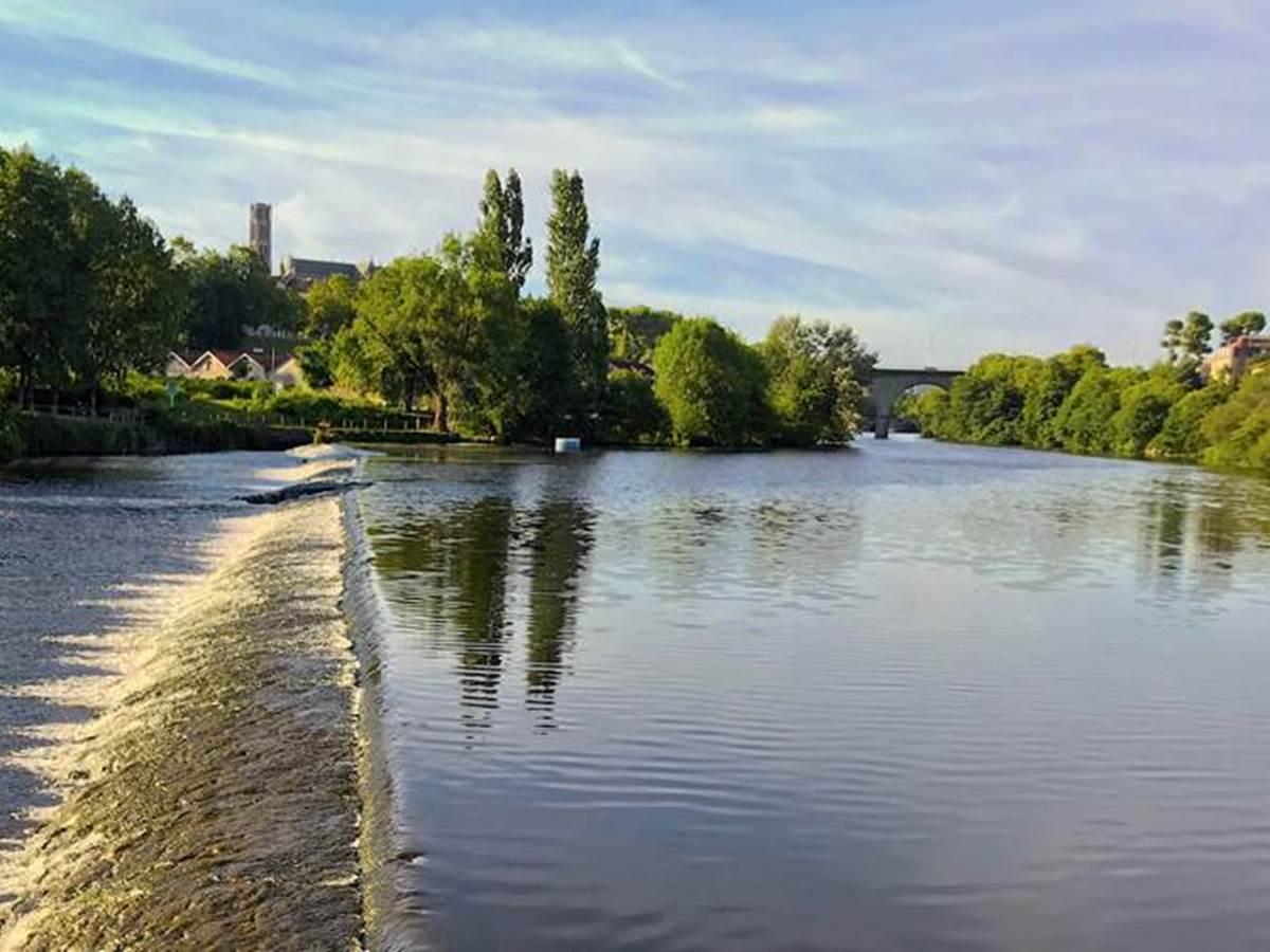 Circuit en petit train sur les bords de Vienne à Limoges