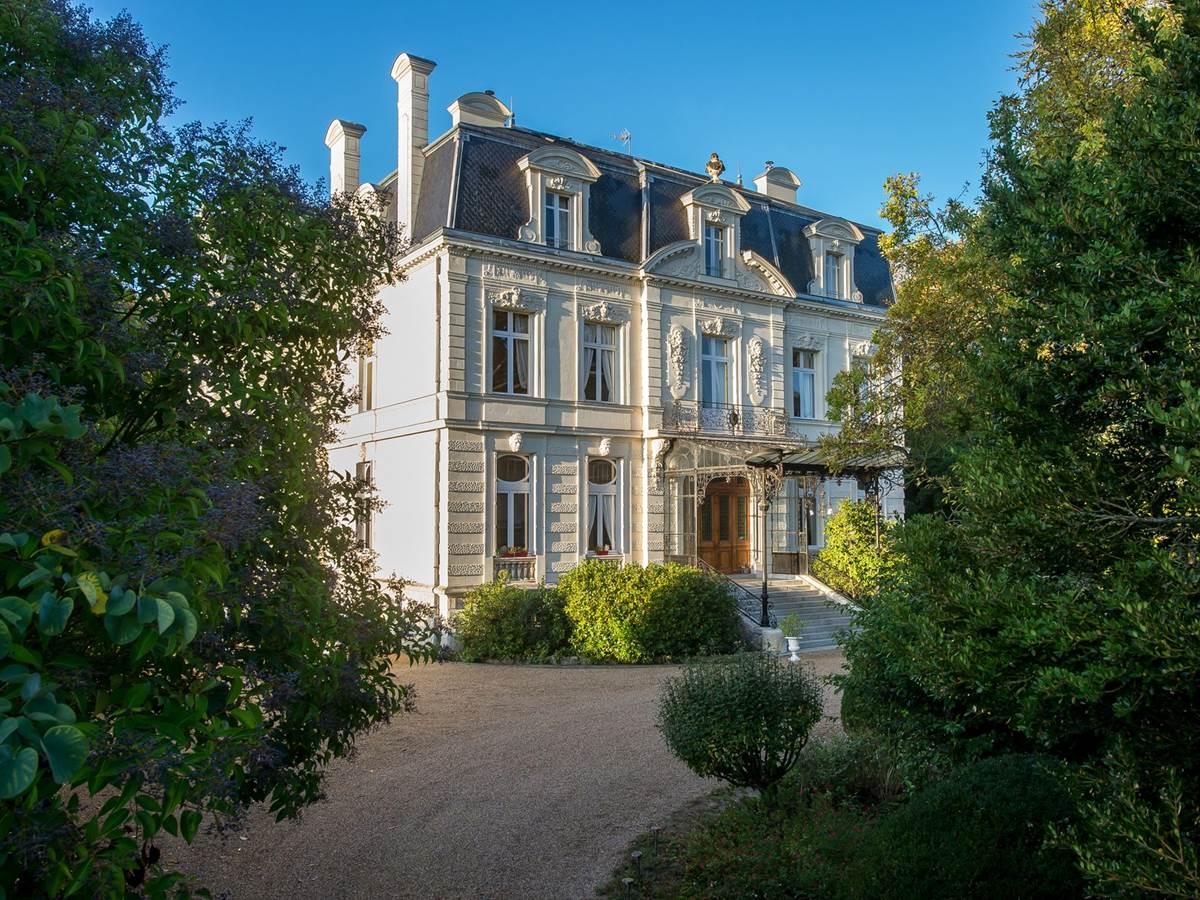 Hôtel Château de Verrières & Spa