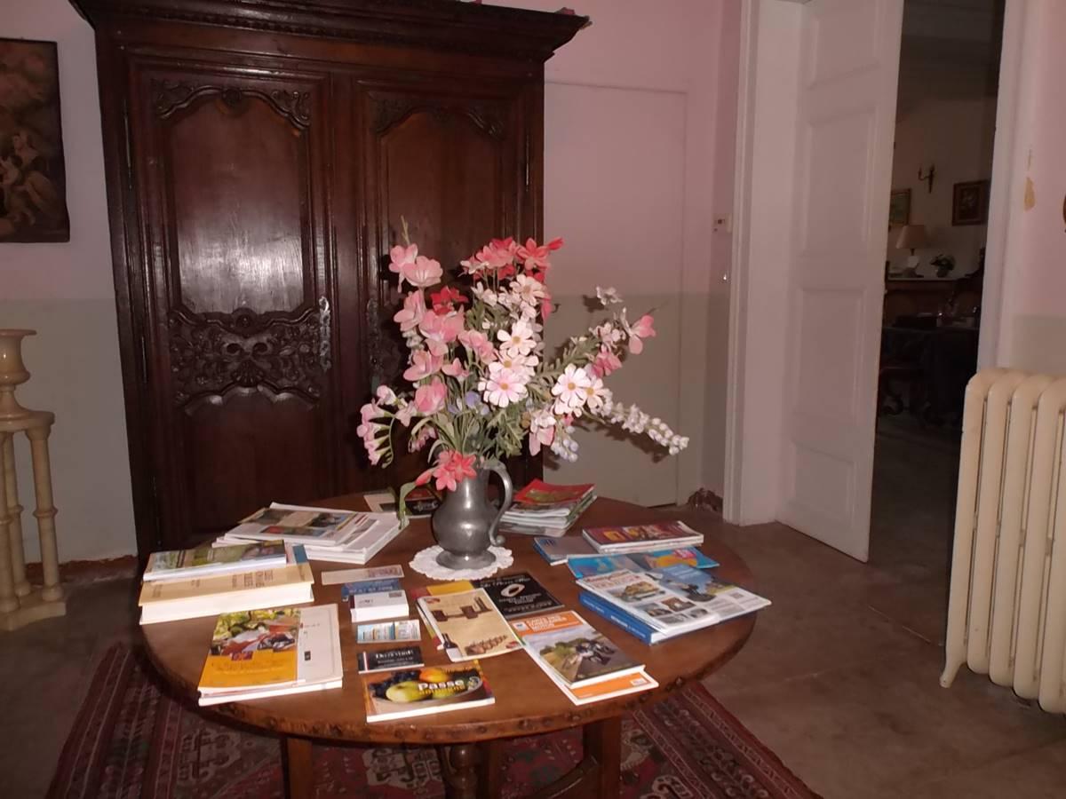 Salon et informations touristiques