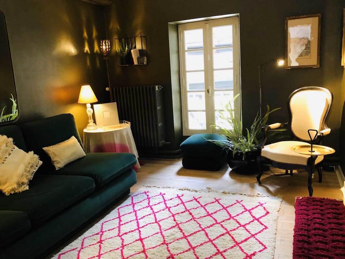Suite jardin secret Salon TV chambre-d-hote-lesmatinsrubis-tarn-et-garonne-occitanie-location-toulouse
