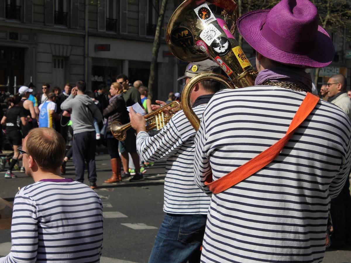 Fanfare lors du Marathon de Paris