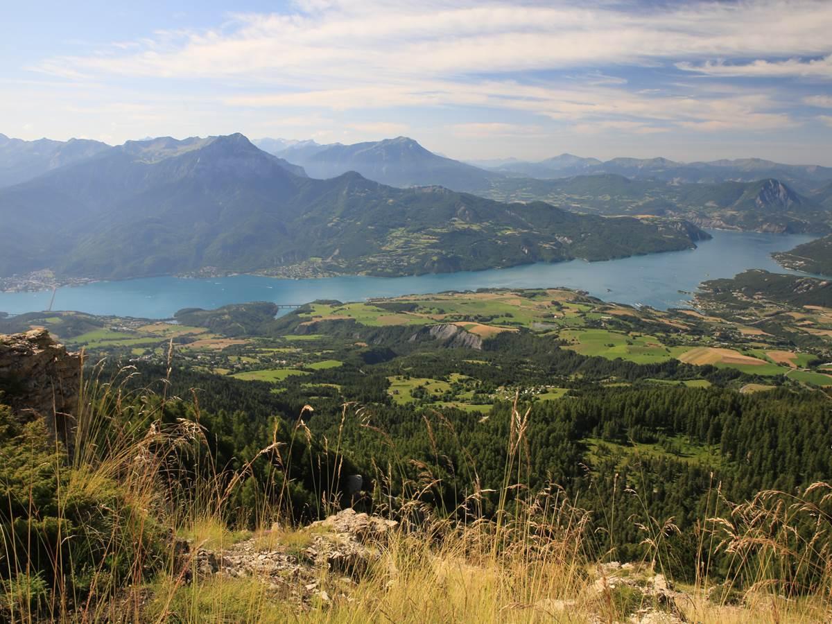 Lac de Serre Ponçon à 14 kms