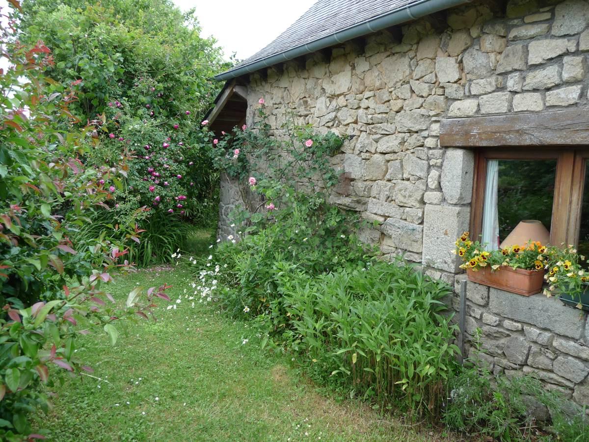 maison-location-sérandon-gorges de la Dordogne-randonnée La Dordogne -de-villages-en-barrages