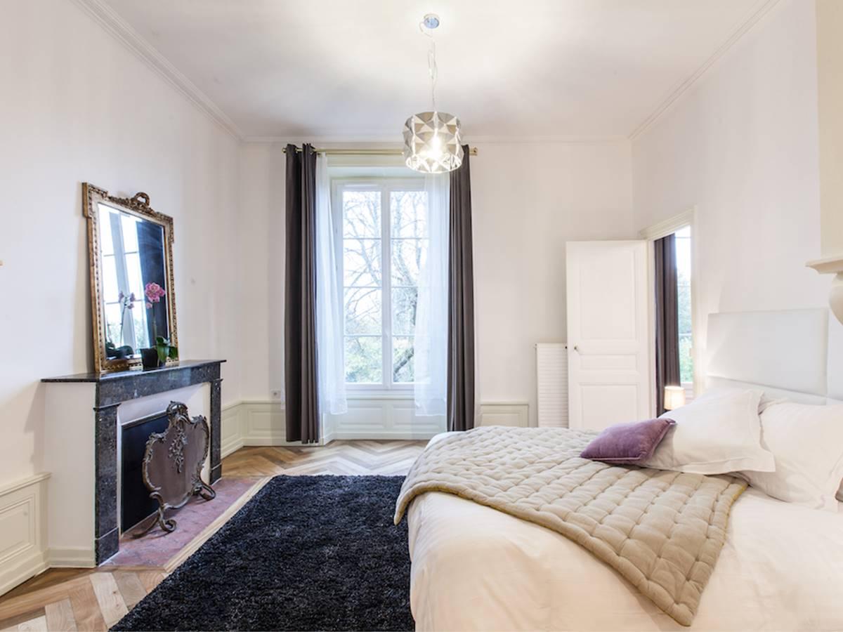 Suite St Taurin Chambre vue parc