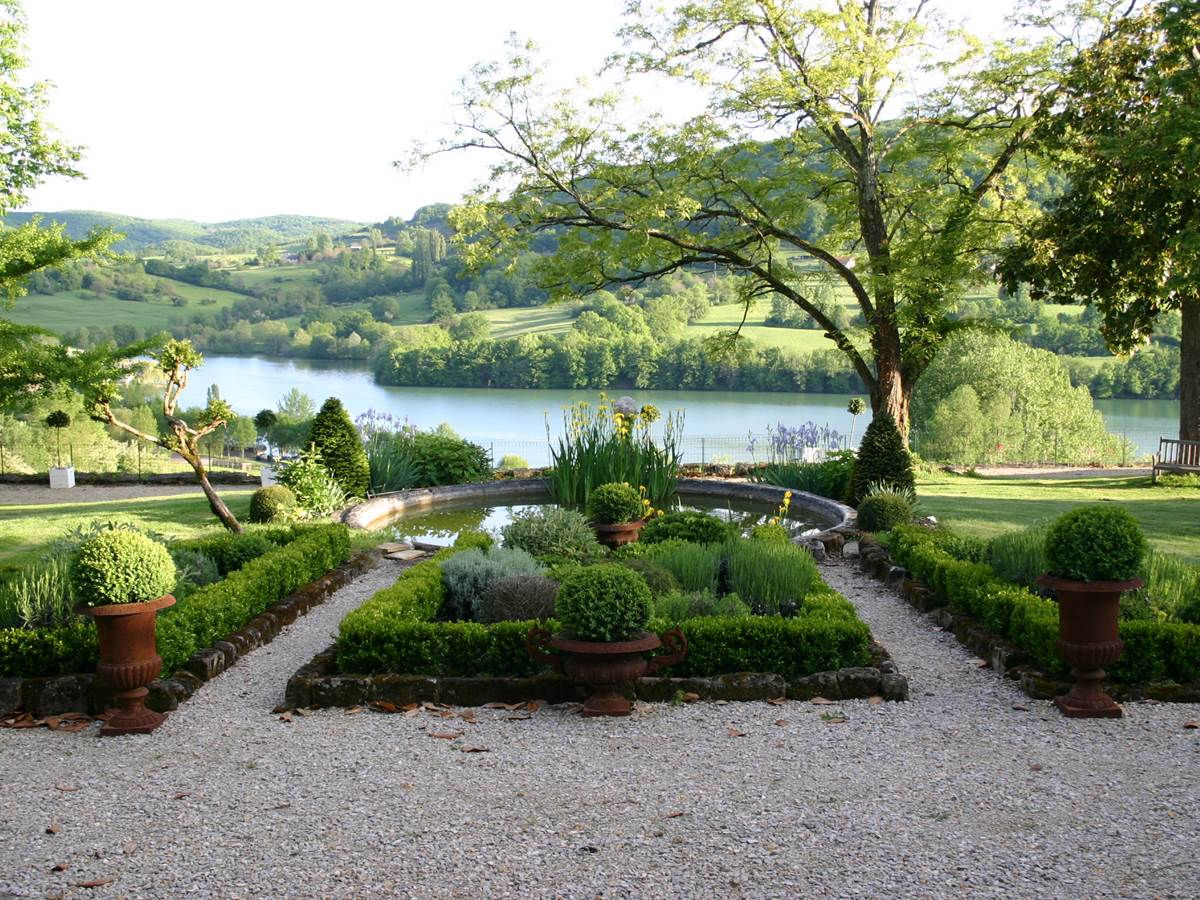 jardin à la française chateau de lissac