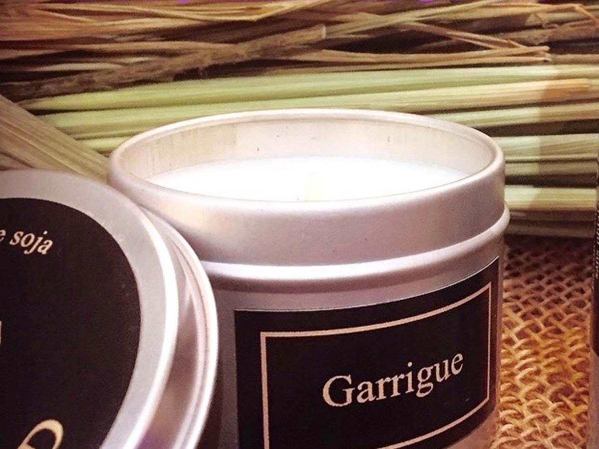 Bougie Parfumée PRESTIGE  Durée  60H environ Cire de soja 100% NATUREL Non Traitée, sans OGM Parfum sans CMR,sans Phalate huiles essentielles mèche en coton  100% FRANÇAIS 100% ARTISANAL MADE IN OCCITANIE